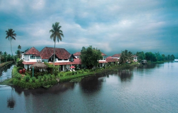 Kerala Beauty With Backwaters Tour Package