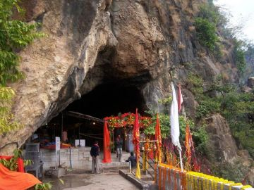 Vaishnodevi Shivkhori Patnitop 3 Night 4 Days Tour Package