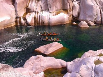 Kaziranga Meghalaya Adventure Tour