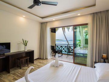 Honeymoon to Thulusdhoo Island Maldives 5N/6D