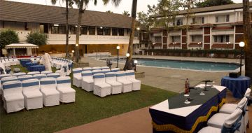 BACKWATER AND BEACH EXPERIENCE WITH KERALA TOUR