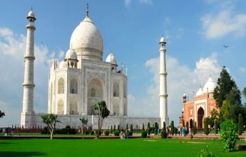 8 Days Golden Triangle with Ajmer Kerala to Kerala