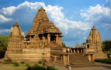 Central India Temple And Chanderi Trip