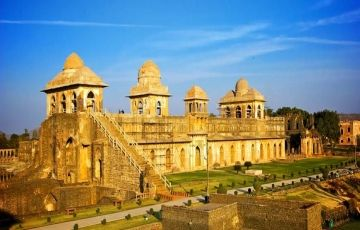 Historical India Tour 8 Night / 9 Days