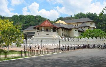 Explore Kandy & Colombo