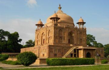 Delhi & Varanasi Tour Package