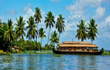 Kerala Package with Kovalam Beach