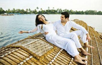Holidays Offer Kerala Honeymoon Package