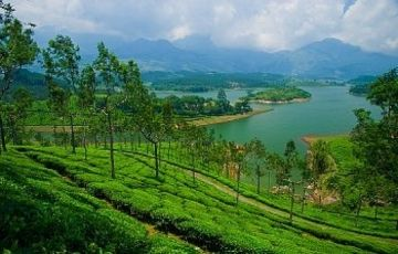 Kerala Air Package with Athirapilly Waterfall