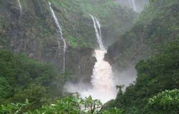 Mahabaleshwar Honeymoon Tour Package