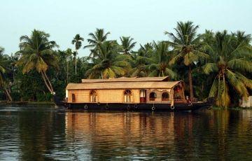 Amazing Kerala With Houseboat