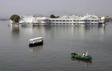 Palace Stays In Rajasthan and The Taj Mahal