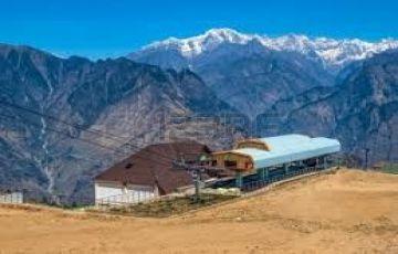 Skiing Tour in Auli