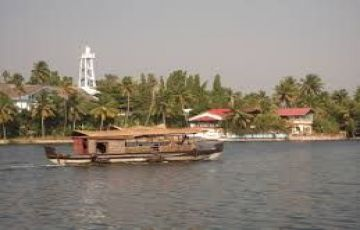 SUPER LUXURY HOUSEBOAT CRUISE AT KOLLAM BACKWATERS TOUR