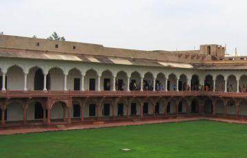Taj Mahal Weekend Getaway Tour