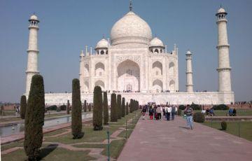 Taj Mahotsav Tour