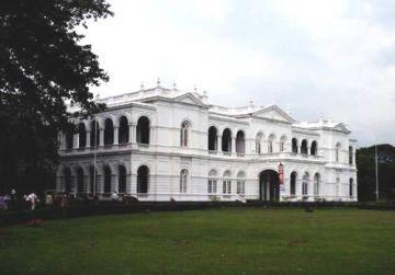 Colombo's  Wonders