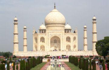 Grand Taj Mahal Tour
