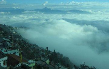 Luxurious Getaway To Darjeeling