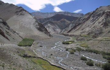 Markha Valley Trekking Tour