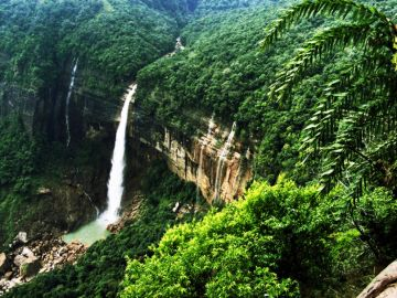 Shillong Meghalaya 04 days Deluxe Package
