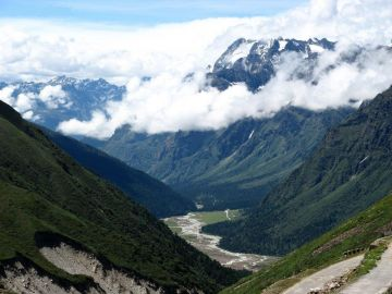 Hills of Sikkim 07 Days Deluxe Package
