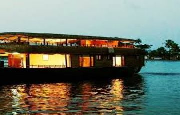 Romantic Alleppey Honeymoon Package