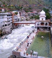 Discover Himachal with Amritsar Golden Temple