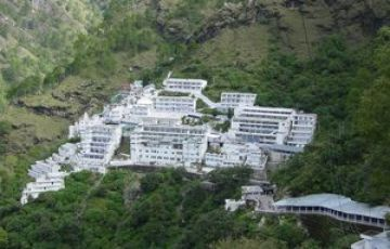VAISHNO DEVI TEMPLE PILGRIMAGE TOUR PACKAGE 2 NIGHTS AND 3 D