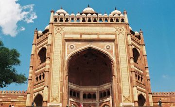 FATEHPUR SIKRI TOUR PACKAGE 2 NIGHTS AND 3 DAYS