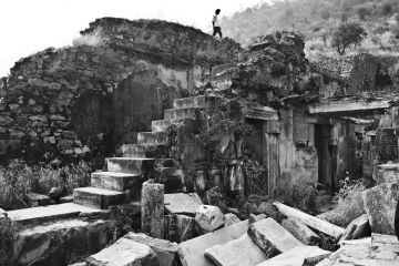 VISIT A HAUNTED PLACE BHANGARH