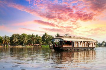 INCREDIBLE PLACES TO VISIT IN INDIA BEFORE YOU DIE ALAPPUZHA