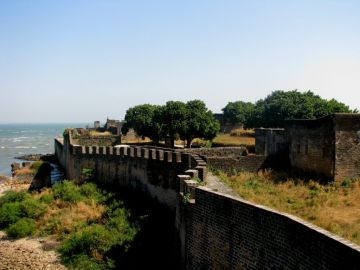 BEST BEAUTIFUL TOURIST PLACES IN DAMAN AND DIU