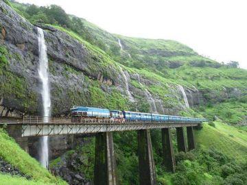 MOST AMAZING TRAIN EXPERIENCES IN KONKAN RAILWAY