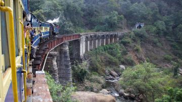 MOST AMAZING TRAIN EXPERIENCES IN NILGIRI MOUNTAIN RAILWAY