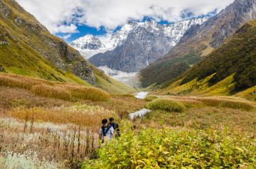 HAVE AN ADVENTUROUS DAY OUT AT VALLEY OF FLOWERS