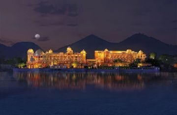 UDAIPUR PAINT THE WORLD RED