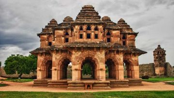 BEST PLACES TO VISIT IN SOUTH INDIA HAMPI
