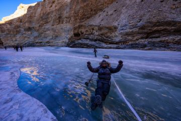 MOST STUNNING PLACES FOR WINTER VACATIONS IN CHADAR TREK LAD