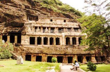 EXPLORE THE 7TH CENTURY UNDAVALLI CAVES AT VIJAYAWADA