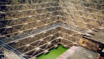 ADMIRE THE UNIQUE CHAND BAORI AT JAIPUR