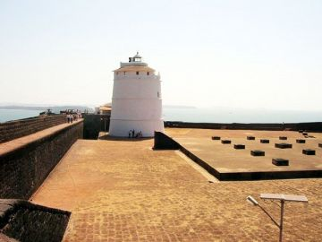 FORT AGUADA POPULAR FORT TO VISIT IN GOA