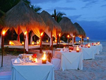 CANDLE DINNER ON BEACH POPULAR BEACHS TO VISIT IN GOA