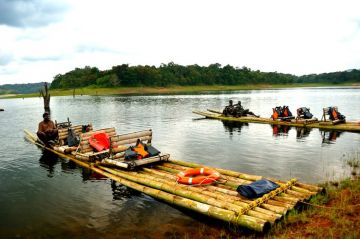 BAMBOO RAFTING IN PERIYAR NATIONAL PARK