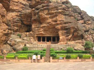 BROWSE THROUGH BADAMI TOUR PACKAGES TO PLAN YOUR TRIP