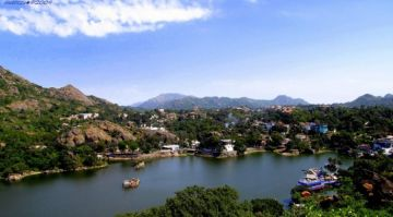 MOUNT ABU ONE OF THE BEST WARM WEATHER DESTINATIONS IN INDIA IN NOVEMBER