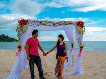 Manali Honeymoon by Volvo