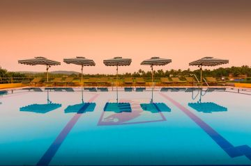 Goa Holiday Package all Inclusive with Cheap and Luxury Calangute Beach Oliva Resort Property @Rs 6299
