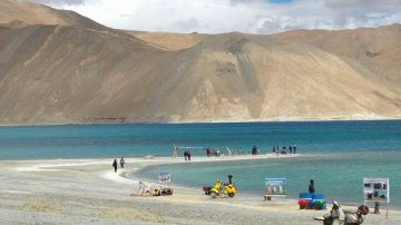 Beautiful Valley of Flower Leh 05 Days Land Tour Package