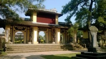 Hue Imperial Palaces and Hoi An Tour in Vietnam
